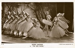 Moira Shearer: (painting in light) Tags: roberthelpmann robert helpmann ballet red shoes redshoes 1948 1947 moira shearer moirashearer dance film movie 9th april 1909 mount gambier australia 28th sept 1986 sydney studied anna pavlova melbourne sirroberthelpmann london 1933 perform sadlers wells royalballet knighted 1968 1942 fife scotland 17th jan 1926 oxford england 31st 2006 léonide massine aug 1896 moscow russia 15th march 1979 borken germany mercury theatre joy camden