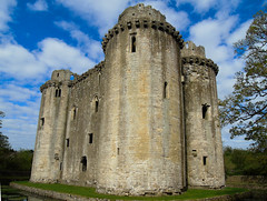 The castle at Nunney (Oxford Murray) Tags: nunneycastle nunney somerset englishheritage heritage spring bluesky castle tower history daysout medieval