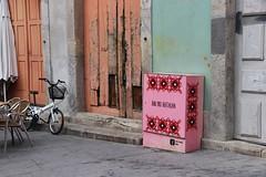 Calle de Oporto (anvaliri) Tags: oporto portugal canon 1585 calle street contraste