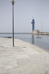 Estanco. (elojeador) Tags: muelle dique escollera mar puerto agua surtidor bloque farola torre torredecontrol puertodealmería connicotinayalquitrán elojeador