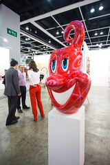 Sculpture by Kenny Scharf: Squirtz (Red), 2013 (enamel, rhinestone and fiberglass) / Paul Kasmin Gallery / Art Basel Hong Kong 2013 / SML.20130523.6D.14057 (See-ming Lee  SML) Tags: china red urban sculpture hk art colors cn photography hongkong crazy lol events fineart photojournalism pop popart creativecommons  fiberglass wtf   rhinestone hkg journalism hongkongisland  6d enamel wanchai   artbasel   canon1740f4l  kennyscharf  2013  ccby seeminglee canonef1740f4lusm canon6d smlprojects crazyisgood  smlfineart smluniverse paulkasmingallery canoneos6d smlphotography smlevents abhk SML:Projects=crazyisgood fl2fbp SML:Projects=photojournalism SML:Projects=smlfineart artbaselhongkong2013