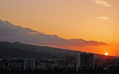 Sunrise from the Lanai (jcc55883) Tags: sky mountains clouds sunrise hawaii nikon waikiki oahu horizon pastels honolulu yabbadabbadoo kapahulu d40 nikond40 alawaiboulevard