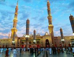 Al Mαsjid Al Nαbαwi ❤ (gLySuNfLoWeR) Tags: peace muslim islam holy prophet umrah madinah masjidalnabawi