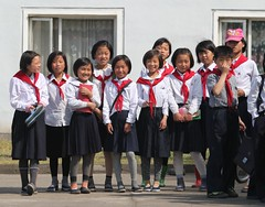 Students in Chongjin North Korea 청진시 (Ray Cunningham) Tags: north korea dprk coreadelnorte 조선 청진 chongjin 청진시 northkoreaphotography