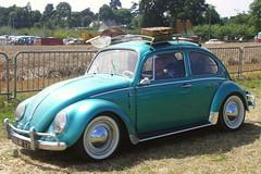 Volkswagen Coccinelle (Thethe35400) Tags: auto bus car vw automobile samba pickup voiture coche bil carro delivery camper transporter vintagecars microbus bll cotxe