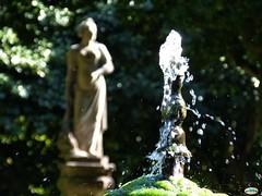 Monao-Palacio da Breijoeira-Fuente y estatua (juantiagues) Tags: juan palacio monao mejuto juantiagues breijoeira