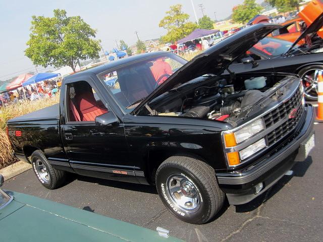 truck pickup chevy 1500 1990 carshow glenburniemd autismspeaks 454ss ghostryderz centreatglenburnie