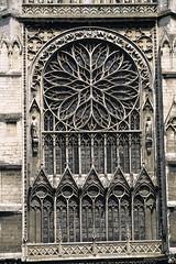 Amiens, cathédrale Notre-Dame, portail sud (Ytierny) Tags: france rose vertical architecture religion rosace amiens picardie edifice somme catholique cathédralenotredame culte pierrecalcaire amienois portailsud stylegothique robertdeluzarche ytierny
