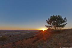 Amanece (que no es poco) (AvideCai) Tags: paisaje amanecer sigma1020