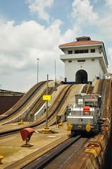 Canal do Panamá (Bruno Farias) Tags: cruise canal ship navy cruising panama navio panamacanal gatun gatunlocks everrocks obrunofarias
