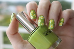 Florzinhas (Lady_Yaya) Tags: flowers wild green art ice thing nail polish pure wildthing nailart varnish lacquer pureice