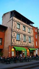 Toulouse, Haute-Garonne - France (Mic V.) Tags: france building caf architecture restaurant cafe des toulouse midi 31 garonne pyrenees haute artistes pyrnes quartier daurade