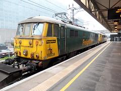 Milton Keynes (DarloRich2009) Tags: miltonkeynes buckinghamshire mkc fl milton keynes freightliner class86 westcoastmainline wcml 86639 86662 miltonkeynesstation miltonkeynescentralstation