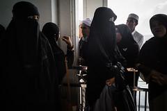 * (Sakulchai Sikitikul) Tags: street snap streetphotography songkhla sony a7s thailand hatyai masjid muslim islamic islam 28mm voigtlander hijab