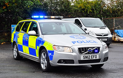 SN12EFO (firepicx) Tags: sn12efo volvo v70 t6 traffic car trunk roads patrol group trpg dalkeith blue lights sirens emergency 999 scotland scottish parked rpu firepicx