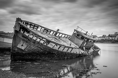 Dignity (Rich Walker75) Tags: boat ship shipwreck wreck monochrome blackandwhite plymouth devon uk england landscape landscapes landscapephotography landmark landmarks canon eos100d efs1585mmisusm eos