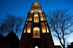 Domtoren Utrecht tijdens het 'Blauwe Uurtje' | 170409-9937-POH (Portrait of Holland) Tags: domtoren utrecht blue hour church kunstlicht blauweuurtje