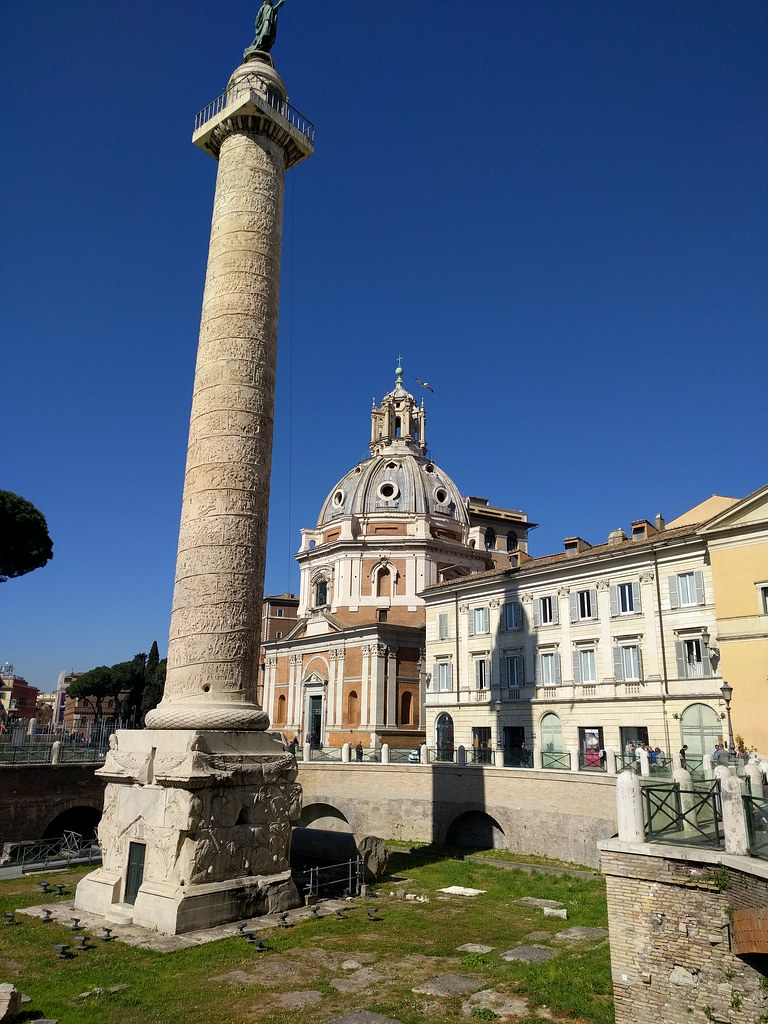 The world 39 s best photos of rome and triomfzuil flickr for The beehive rome