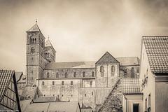 Quedlinburg Stiftskirche (Christian Hoemke) Tags: canoneos70d deutschland germany harz landkreisharz lightroom6 monochrome quedlinburg sachsenanhalt stiftskirche tamrondiii16300mm13563 collegiatechurch vintage de