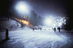 traffic (- Dolce Vita -) Tags: fuji rvp 100 velvia japan hokkaido niseko hirafu film analog winter leica m6 35mm summilux preasph