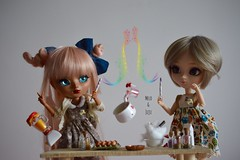 When two Hufflepuff decided to cook something 🍜 (Juju DollPassion) Tags: lullaby mocha tan littlecrow andielewis fc custo doll dolls bearyfairy kiyomi custom full pullip