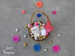 How to make a cute easter gift basket with DIY easter gifts 30 (DIY Empress) Tags: diy easter easterdiys happyeaster cute eastergifts giftbasket howto tutorial beautiful bunnies easterbunnies bunny blogger inspiration make basket bunnykeychain keychain necklace polymerclay mseal creativityfound pompom