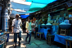 market in blue light (simon-r-) Tags: mysuru mysore india 2017 karnataka inde indien april devarajamarket market bazaar light shops stores blue people street scene world life travel photography documentary colours colourful الهند سوق sony alpha ilce 5000