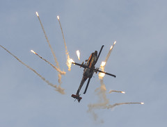 Boeing AH-64D Apache (Boushh_TFA) Tags: netherlands apache nikon force air nederland royal 300mm boeing nikkor base f28 ude volkel d600 ah64 rnlaf 2013 ah64d vrii luchtmachtdagen q17 ehvk