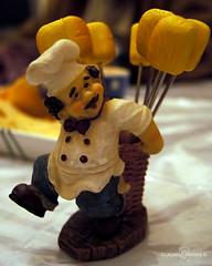 Cocinero mondadientes (Claudio Caviedes Santana) Tags: chile macro viadelmar cocinero figura macrofotografa mondadientes