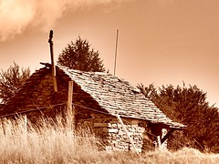 Capanna (Simona Mugnai) Tags: house building countryside casa capanna cardada uploaded:by=flickrmobile colorvibefilter flickriosapp:filter=colorvibe