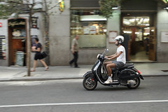 (Seor MiQuel.) Tags: madrid street city boy espaa man bike speed canon moving calle spain vespa ciudad movimiento retro motorbike teen moto 1855mm chico velocidad negra motocicleta oldbike borroso 60d
