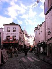 Paris - Rue Norvins (Aelo de la Krotsche) Tags: paris montmartre ruenorvins