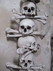 Czech Republic - Kutna Hora - Sedlec Ossuary - Human skulls (JulesFoto) Tags: worldheritagesite kutnahora czechrepublic sedlec bonechurch sedlecossuary humanbones humanskulls decorativebones