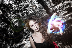 La bruja Roja - Tentacin - (Seffernatus) Tags: canon rebel rojo model woods bosque agustina magia 500d t1i