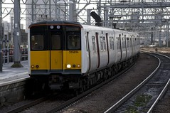 315814+315858 Arrive at Stratford (TheJRB) Tags: uk london station electric train ga transport rail railway trains rails emu 315 pep stratford unit anglia sra brel electricmultipleunit class315 abellio 315814 315858 greateranglia 2w66