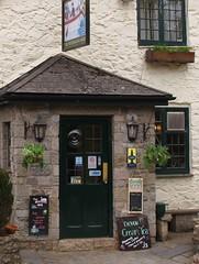 Bow Creek: pub signs: Devon cream tea (green voyage) Tags: england signs evening spring britain may devon pubs stonewalls teas tearooms bowbridge westcountry southhams creamteas southdevon teashops stonebuildings whitewashedbuildings watermansarms devoncreamteas