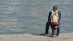 Contemplation -1- (Mars 2014) (Ostrevents) Tags: sun man paris france seine bag soleil back europa europe bank dos capitale homme bitte rive chn sacdos borddeseine bittedamarage ostrevents