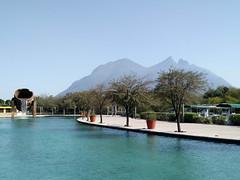 Just Beautiful (itchypaws) Tags: 2017 north america monterrey nuevoleón mexico mx santa lucía riverwalk paseo saint lucia cerro de la silla mountain canal