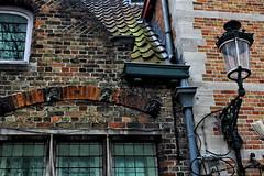 (Amberview) Tags: brugge bruges brügge vlaanderen flandern house bricks lantern oldcity