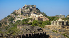 IMG_3906 (Manveer Jarosz) Tags: archaeologicalsurveyofindia bharat hindu hindustan incredibleindia india jain kumbhalfort kumbhalgarh rajasthan unesco worldheritagesite ancient architecture blue bright castle clear culture day fortress mandir sky sunny temples travel wall