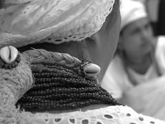 Guias (Antonio_Dourado) Tags: faith fé religião religion candomblé riodejaneiro brazil brasil digital canon canonsx50hs canonpowershotsx50hs canonsx50 canonpowershotsx50 canonpowershot bw blackwhite blackandwhite blackculture pretoebranco pb patrimônio patrimônioculturalbrasileiro