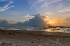 STEP (Jhonny Peralta) Tags: southpadreisland photography playas caribe golfodemexico photographer paisaje shooting fotografia nubes cielo rayosdesol atardecer canon5d canon canonphotography