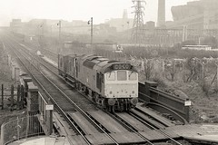 St Helens Junction (Lost-Albion) Tags: 25228 d7578 sthelensjunction ncb boldcolliery pentax 1977