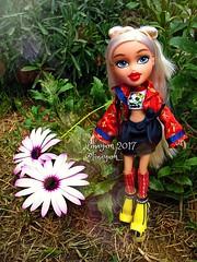 (Linayum) Tags: bratz bratzdoll bratzcloe cloe mga doll dolls muñeca muñecas toys juguetes linayum bratzstudyabroad