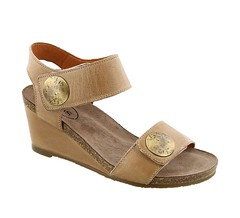 "Taos Carousel 2 sandal taupe • <a style=""font-size:0.8em;"" href=""http://www.flickr.com/photos/65413117@N03/33318075221/"" target=""_blank"">View on Flickr</a>"