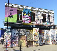 Lord Napier, Hackney Wick, London E9. (piktaker) Tags: london londone9 hackneywick pub bar inn tavern pubsign innsign publichouse graffiti wallart urbanart lordnapier