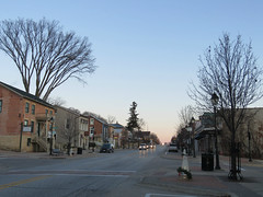 Early morning in downtown Le Claire, Iowa (jimsawthat) Tags: dawn earlymorning smalltown downtown leclaire iowa