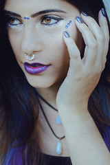 Giselle (TheJennire) Tags: photography fotografia foto photo canon camera camara colours colores cores light luz young tumblr indie teen people portrait nails galaxy space girl eyes yelloweyes makeup glitter hair blue piercing face 50mm