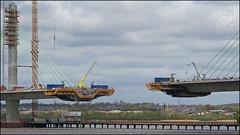 Reaching out, Mersey Gateway, Runcorn (steeedm) Tags: runcorn mersey merseygateway bridge suspensionbridge construction engineering crane river wiggisland