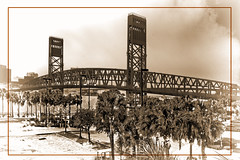View of the Main Street Bridge in downtown Jacksonville, Florida, USA / Construction period 1938-1941 (Jorge Marco Molina) Tags: viewofthemainstreetbridgeindowntownjacksonville florida usa 19381941 jacksonville duvalcounty historical city cityscape urban downtown skyline centralflorida centralbusinessdistrict skyscraper building architecture commercialproperty cosmopolitan metro metropolitan metropolis sunshinestate realestate commercialoffice modernism postmodern modernarchitecture mainstreetbridge urbanpalms